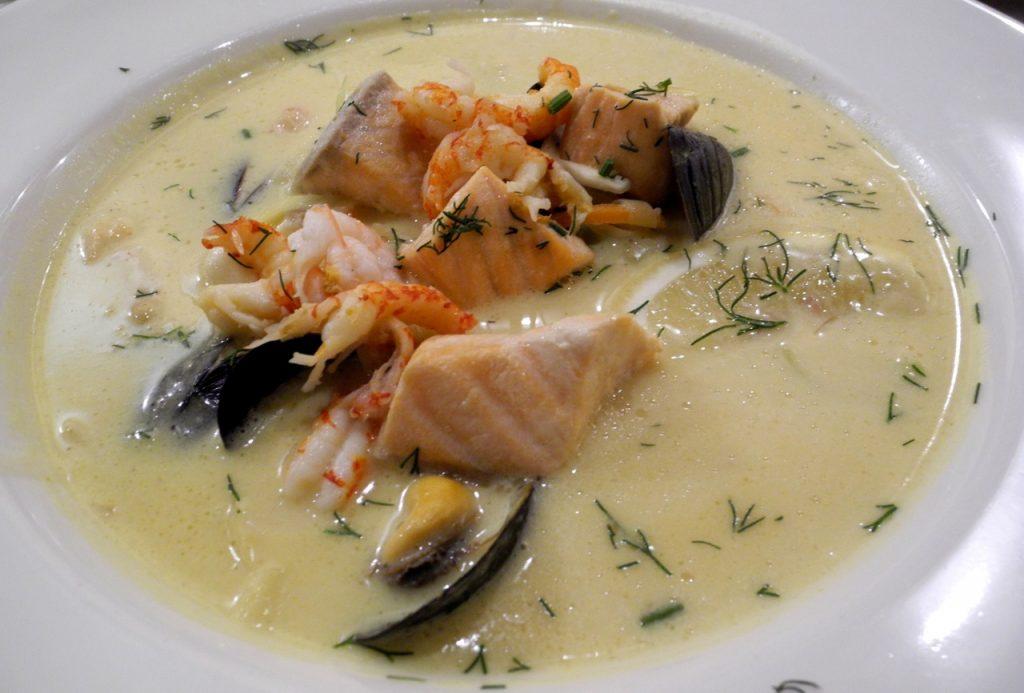 Fiskesuppe la zuppa di pesce norvegese five o 39 clock tea for Cucina norvegese