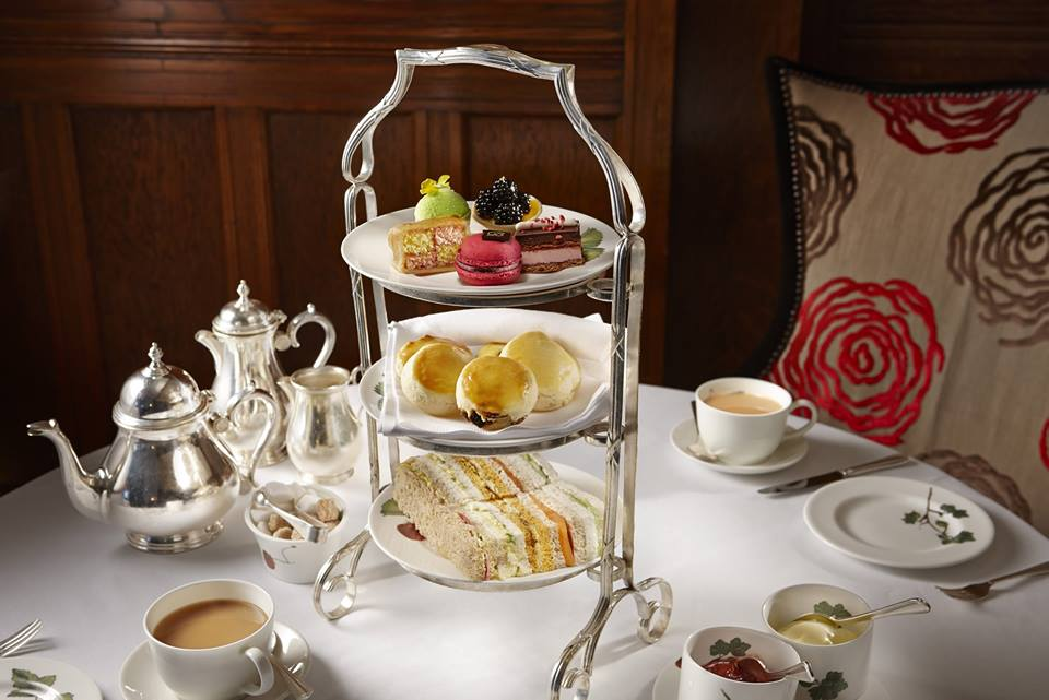 L'afternoon tea al Brown's hotel di Londra