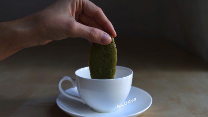 Lingue di gatto al tè verde matcha