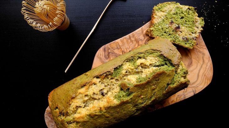 La ricetta di una torta senza lievito: Banana Bread al tè verde matcha