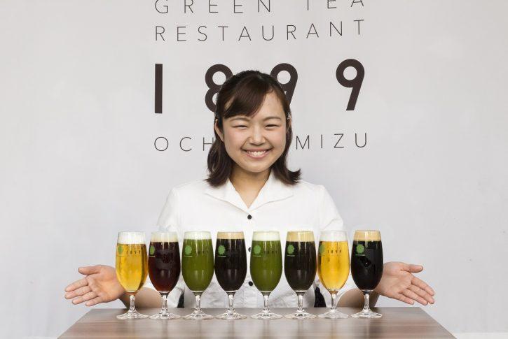 A Tokyo mescolano tè e birra al Matcha Beer Garden