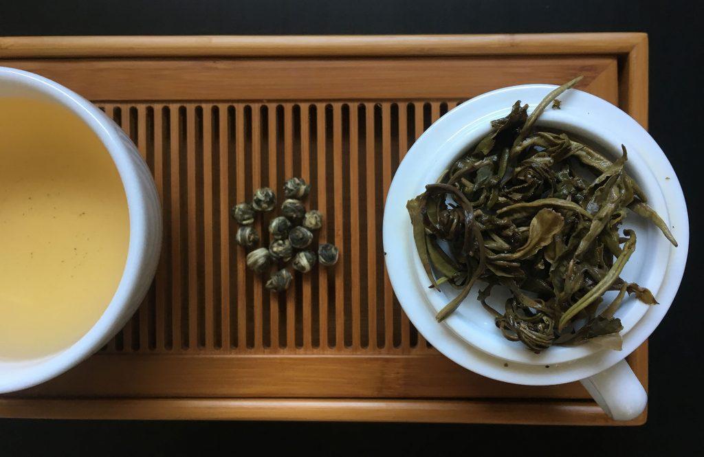 Il tè al gelsomino ha proprietà digestive e calmanti