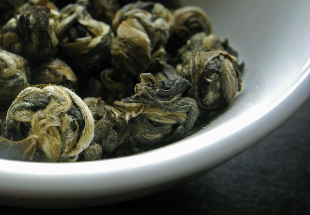 Le perle sono un elegante e prezioso tè verde al gelsomino