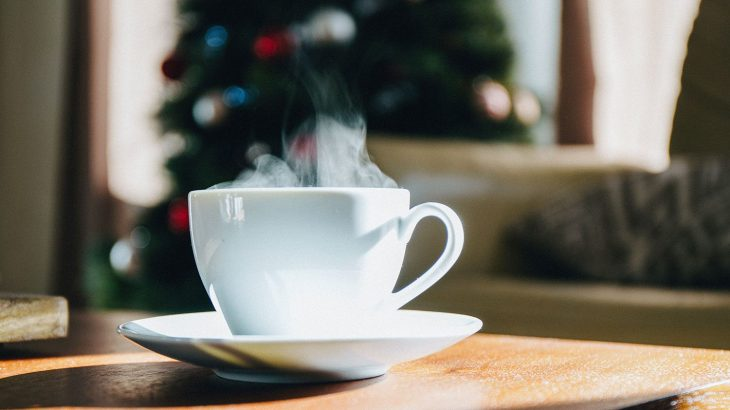Scoprite come organizzare un tea party di Natale