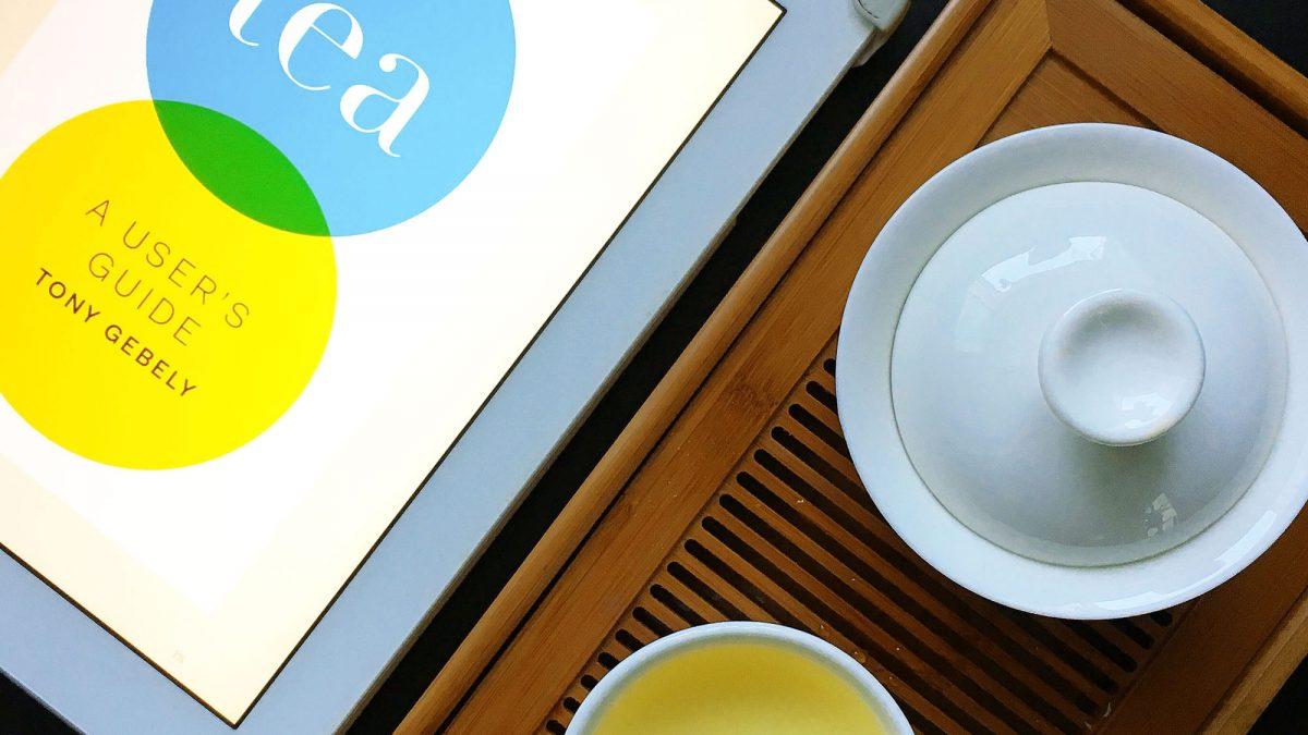 Tea a user's guide è un ottimo libro sul tè scritto da Tony Gebely