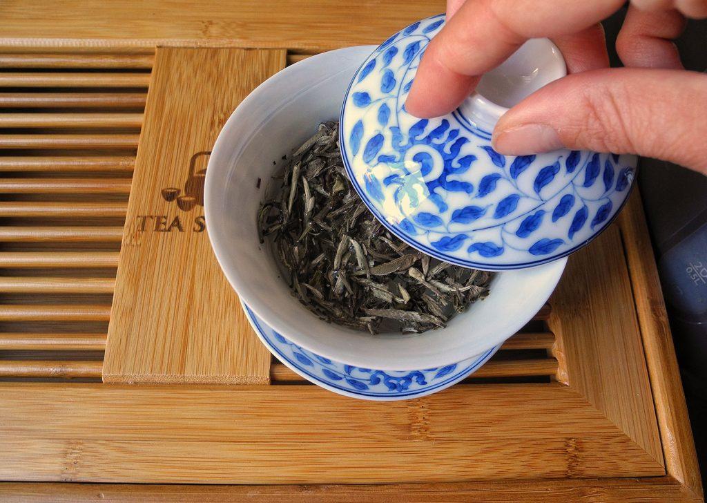 Come si usa la gaiwan cinese? Scopri i miei consigli