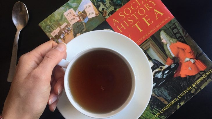 La mia recensione di A Social History of Tea di Jane Pettigrew e Bruce Richardson