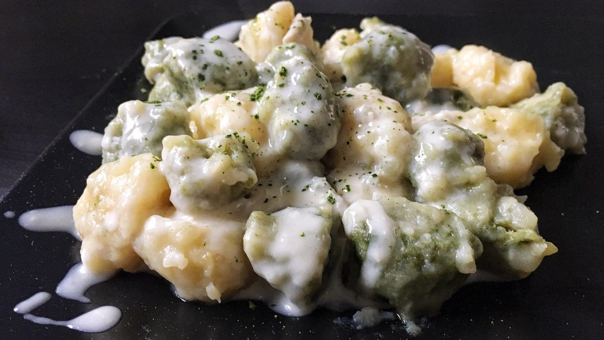 Scopri la ricetta degli gnocchi al tè matcha e gorgonzola