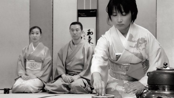 Come si partecipa a una cerimonia del tè giapponese? Elisa Da Rin spiega come comportarsi
